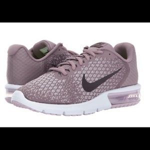 Nike Women's Air Max Sequent 2